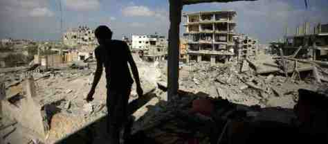 PalestinianReturnsHomeGazaOPE